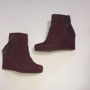 Toms burgundy wedge boots